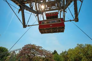 Candle Light Dinner Tour For Two On Giant Ferris Wheel Packages